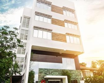 Hotel Lapira - Vigan City - Building
