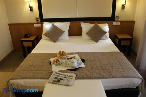Hotel Daniel - Parma - Bedroom