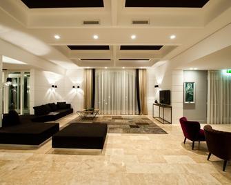 Villa Neri Resort & Spa - Linguaglossa - Лоббі