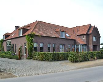 't Welthof - Bree - Building