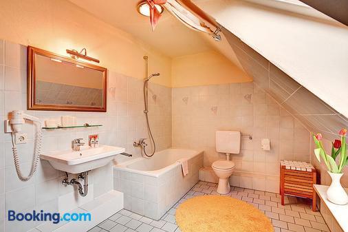 Stadthotel Detmold - Detmold - Bathroom