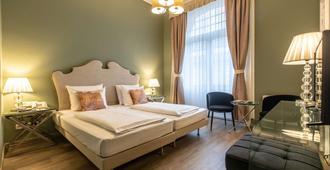 Hotel Monopol - Central Station - פרנקפורט אם מיין - חדר שינה