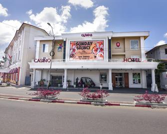 Queens Hotel - Парамарибо - Здание
