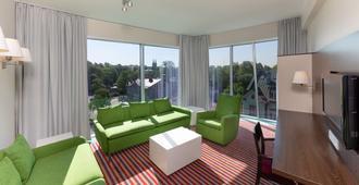 Park Inn by Radisson Meriton Conference&Spa Tallin - טאלין - סלון
