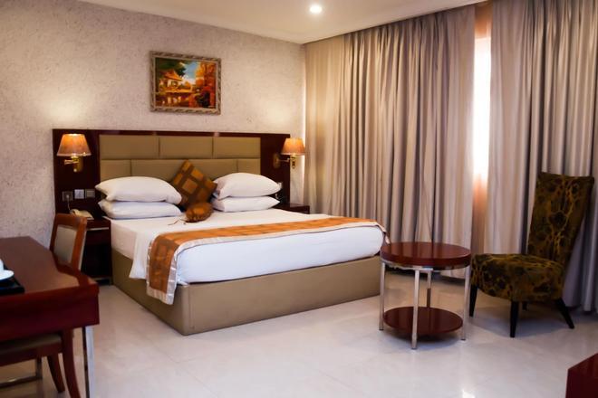 D Palms Airport Hotel - Lagos - Makuuhuone