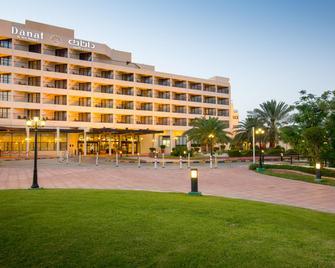 Danat Al Ain Resort - Al Ain - Building