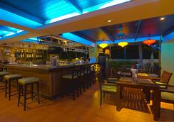 Woraburi Sukhumvit Hotel and Resort - Bangkok - Bar