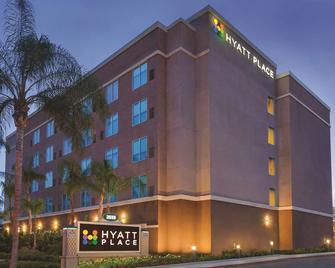 Hyatt Place at Anaheim Resort/Convention Center - Anaheim - Building