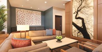 Hyatt Place at Anaheim Resort/Convention Center - Anaheim - Living room