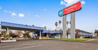 SureStay Plus Hotel by Best Western Sacramento Cal Expo - Sacramento - Building