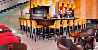 Courtyard by Marriott Budapest City Center - בודפשט - בר