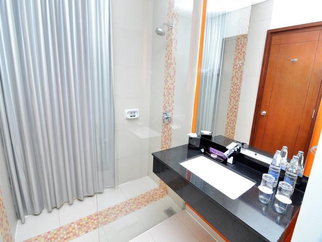 三寶瓏奎斯特酒店 - 三寶瓏 - 三寶壟 - 浴室
