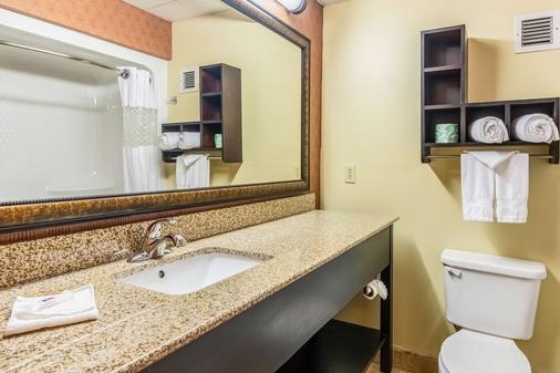 Motel 6 Conway - Conway - Bathroom