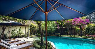 Manta Dive Resort Gili Air - Pemenang - Piscina