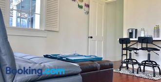 Classic Revitalized Creole Suite - Nueva Orleans - Sala de estar