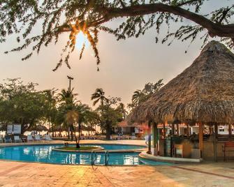 Estelar Santamar Hotel & Centro de Convenciones - Санта-Марта - Pool