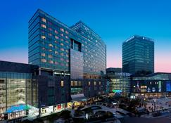 Courtyard by Marriott Seoul Times Square - Seoul - Building