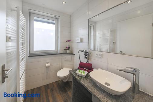 Hotel Gästehaus Stock - Friedrichshafen - Bathroom