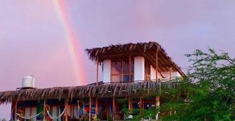 Tiki Surf House - Los Organos