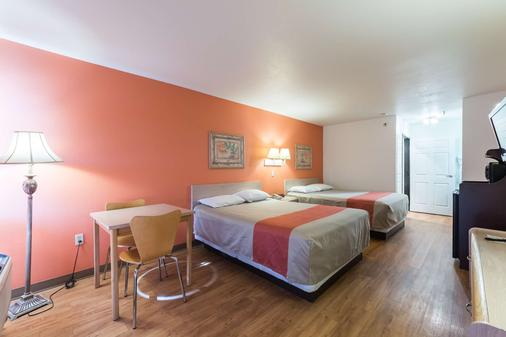 Motel 6 Junction - Junction - Bedroom