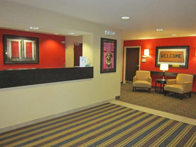 Extended Stay America Seattle - Northgate - Seattle - Front desk