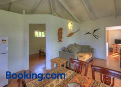 Tropical Sands - Rarotonga - Living room