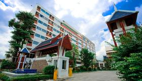 Jolly Suites & Spa Thaphra - Bangkok - Building