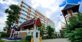 Jolly Suites & Spa Thaphra - בנגקוק - בניין