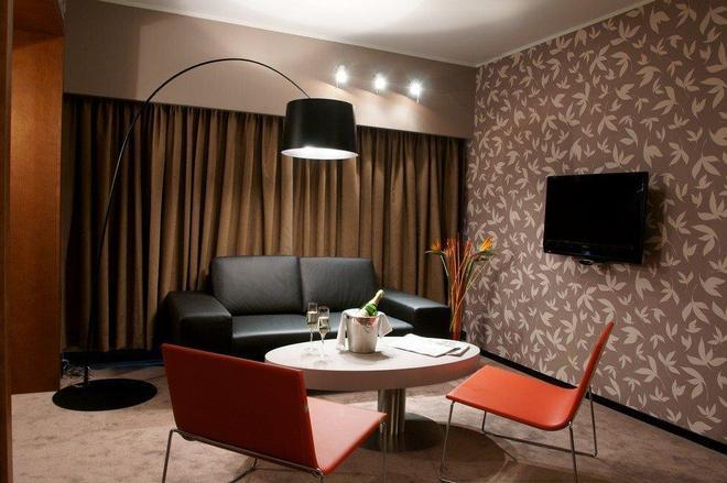 Hotel Yasmin - Košice - Olohuone