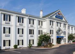 Baymont Inn and Suites Columbia Maury - Columbia - Building