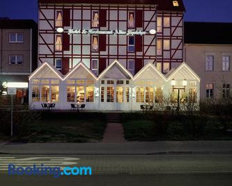 Alter Speicher Hotel & Restaurant - Грайфсвальд - Building