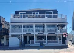Inn on the Blues - Ogunquit - Building