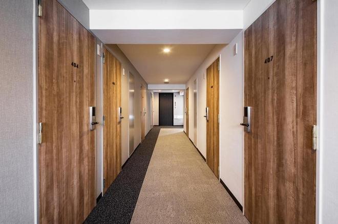 Flexstay Inn Sakuragicho - Yokohama - Hallway