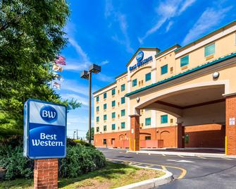 Best Western Riverview Inn & Suites - Rahway - Building
