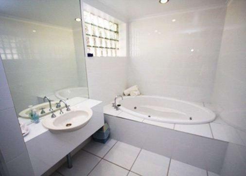 Comfort Inn Lady Augusta - Swan Hill - Bathroom