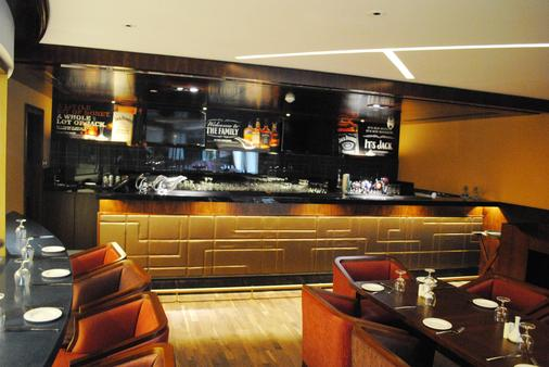 Raviz Center Point Hotel - Ντουμπάι - Bar