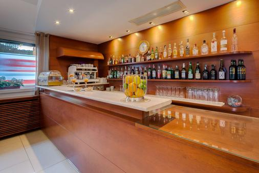 Best Western Hotel Nuovo - Garlate - Bar