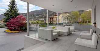 Best Western Hotel Nuovo - Garlate - Patio