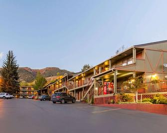 Rodeway Inn Glenwood Springs - Glenwood Springs - Rakennus