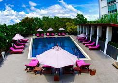 阿馬蘭斯素萬那普機場精品西佳酒店 - 曼谷 - 游泳池