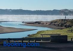 貝利海濱汽車旅館 - 懷蒂昂格 - 懷蒂昂格 - 海灘