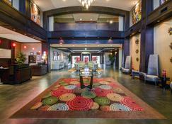 Holiday Inn Arlington Ne-Rangers Ballpark - Arlington - Lobby