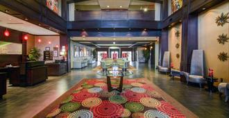 Holiday Inn Arlington Ne-Rangers Ballpark - Arlington - Resepsjon