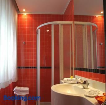 Hotel Derby - Rimini - Bathroom