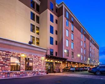 Best Western Plus Newark Airport West - Newark - Building