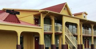 Scottish Inn Waco - Waco - Building
