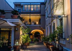 Hotel Forum - Pompeji - Gebäude