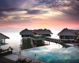 Avani Sepang Goldcoast Resort - Сепанг - Басейн