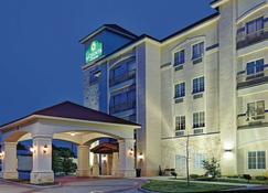 La Quinta Inn & Suites By Wyndham Dfw Airport West - Euless - Euless - Building