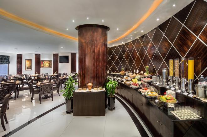 薩伏依套房公寓酒店 - 杜拜 - 杜拜 - 自助餐